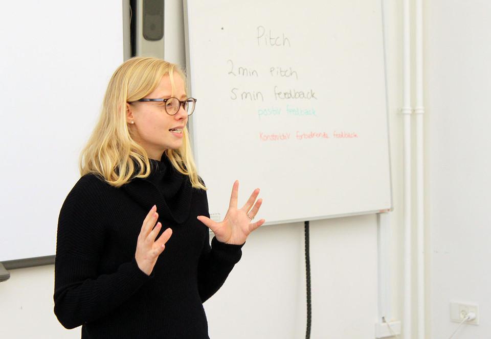 Studerende pitchede idéer forerhvervsfolk